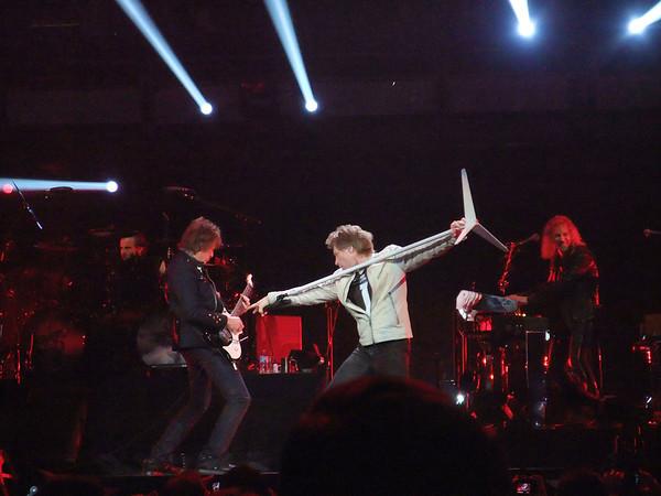 """Bon Jovi """"What About Now"""" tour 2013"""