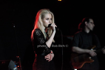 Brooke Moriber at the Mercury Lounge 4-20-16.  photo by Rob Rich/SocietyAllure.com © 2016 robwayne1@aol.com 516-676-3939