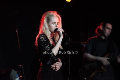 Brooke Moriber at the Mercury Lounge 4-20-16.  photo by Rob Rich/SocietyAllure.com © 2016 robwayne1@aol.com 516-676-3939