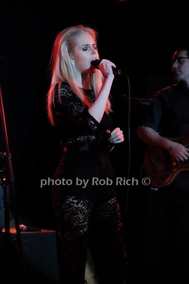 Brooke Moriber at the Mercury Lounge4-20-16. photo by Rob Rich/SocietyAllure.com © 2016 robwayne1@aol.com 516-676-3939