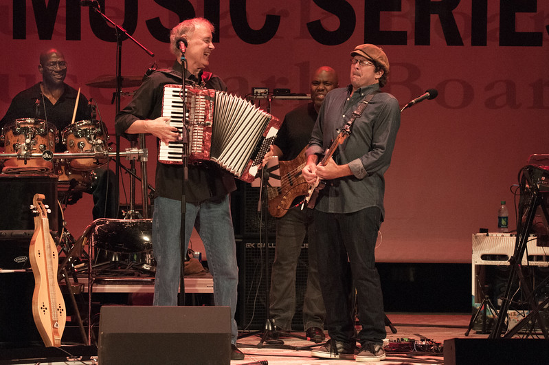 Friday 14-Aug-2015<br /> 9:08pm<br /> Bruce Hornsby and The Noisemakers