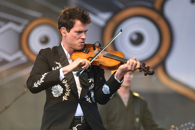 Nashville string band Old Crow Medicine Show performed in front of thousands at the Sawyer Point stage during the second day of the 2015 Bunbury Music Festival at Sawyer Point and Yeatman's Cove in Cincinnati on June 6, 2015. Nashville string band Old Crow Medicine Show performed in front of thousands at the Sawyer Point stage during the second day of the 2015 Bunbury Music Festival at Sawyer Point and Yeatman's Cove in Cincinnati on June 6, 2015. Emily Maxwell | WCPO<br />  Bunbury Music Fest on Sat. June 6, 2015.