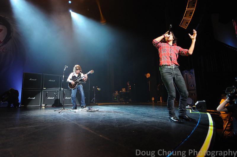 B'z - Gibson Amphitheatre