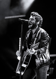 Thomas Rhett ~ black and white