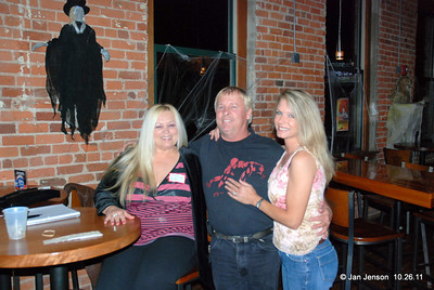 CEN Mixer 10.26.11 at Wet Willies in the NC Music Factory, Charlotte, NC ???,       Billy Burch and April Cofield Holt