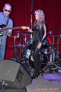 Michelle Leigh Music at the 2013 CMA Women of Rock Showcase at The Saloon NC Music Factory