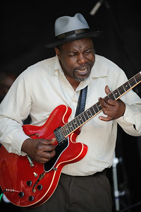Lurrie Bell - Mary Lane's Blues All Stars Gibson Guitar Crossroads Stage