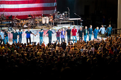 Chicago and the Doobie Brothers on stage together for the encore set, August 19th, 2012.