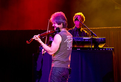 Steve Walsh on lead vocals and keyboards and Dave Ragsdale on the fiddle at the 2012 Freedom Fest for Wounded Warriors at George Mason University, The Patriot Center in Fairfax, Virginia.