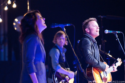 Christy Nockels, Daniel Carson, and Chris Tomlin perform on December 3, 2009 at Countryside Christian Center in Clearwater, Florida