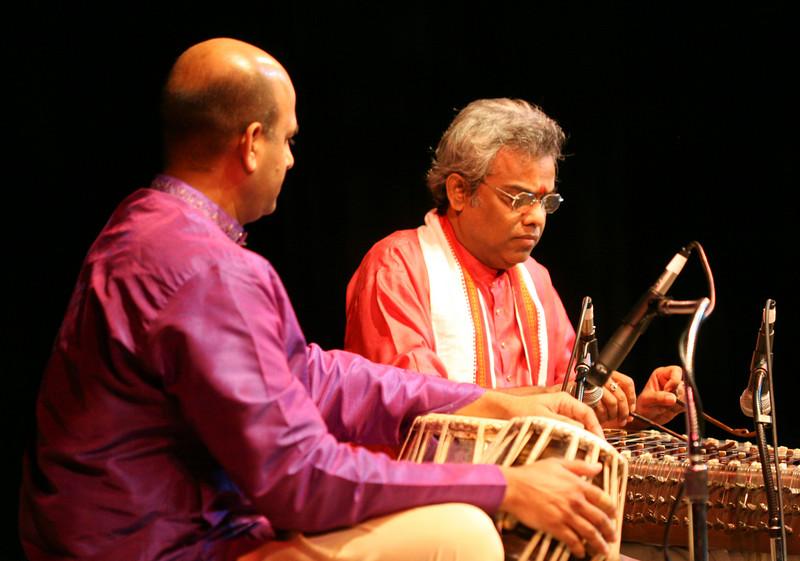 00aFavorite 2 Pundit Tarun Bhattacharya, Santoor - Sep 29 2007, Raleigh, NC (737p)