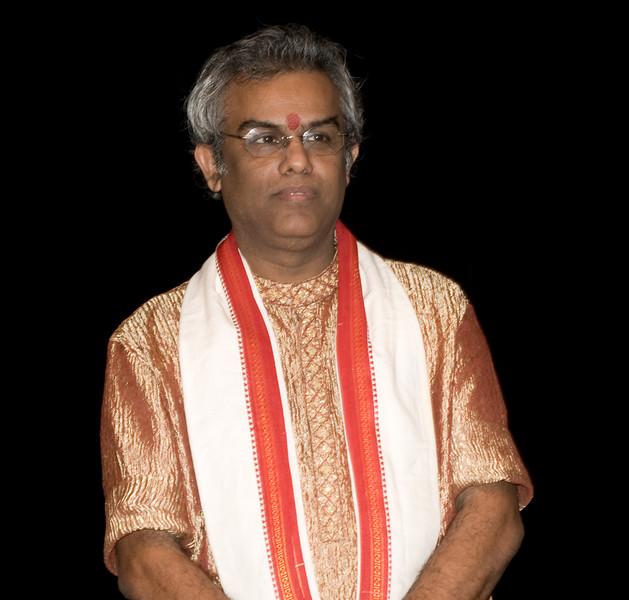 2 Pundit Tarun Bhattacharya, Santoor - Sep 29 2007, Raleigh, NC (949p)