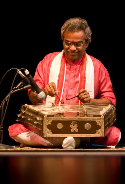 00aFavorite 2 Pundit Tarun Bhattacharya, Santoor - Sep 29 2007, Raleigh, NC (743p)
