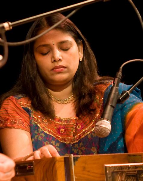 00aFavorite 5 Chirashree Bhattacharya, Harmonium - Sep 29 2007, Raleigh, NC (821p)