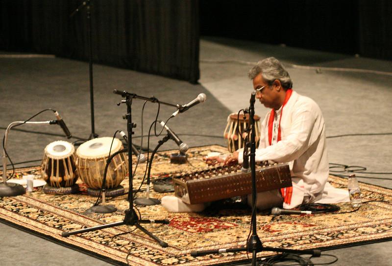 2 Pundit Tarun Bhattacharya, Santoor - Sep 29 2007, Raleigh, NC (647p)