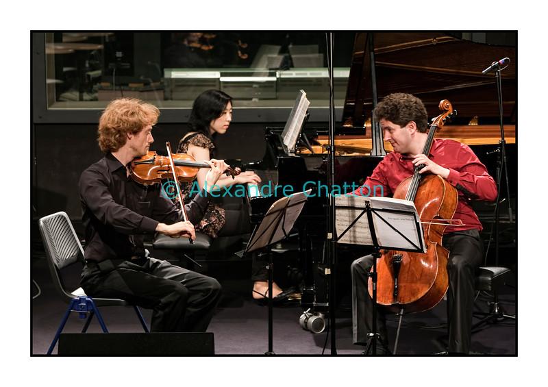 8 avril 2011: Olivier Piguet, violon; Johannes Burghoff, violoncelle; Maiko Inoue, piano.