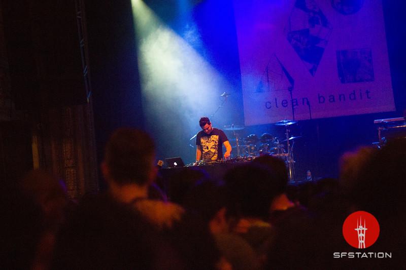 Photo by Ally Panda