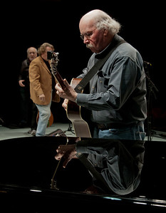 Tom Paxton at sound check with Peter Yarrow coming on stage for his.