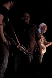 Tao Seeger, Toshi Reagon and Pete Seeger.