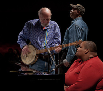 Pete Seeger, Guy Davis and Toshi Reagon rehearsing at Symphony space, NYC.  Tinya Seeger in the background.