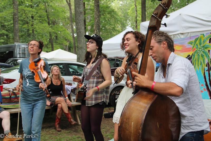 The music of Radiunt Abundant: The Buck Stops Here with Laurelyn Dossett and Jason Sypher