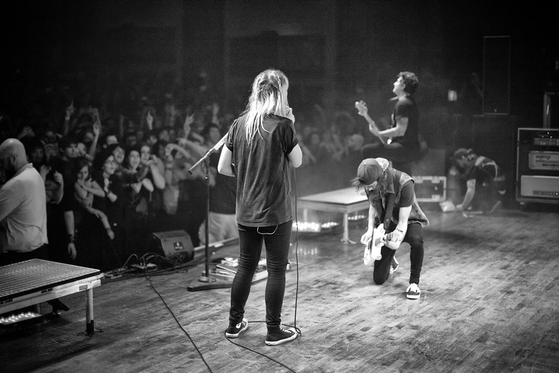 Jenna McDougall & Vic Fuentes during Hold On Till May