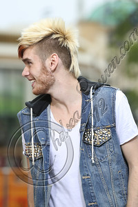 LOS ANGELES, CA - NOVEMBER 08:  Singer / television personality Colton Dixon performs on EXTRA at The Grove on November 8, 2012 in Los Angeles, California.  (Photo by Chelsea Lauren/WireImage)