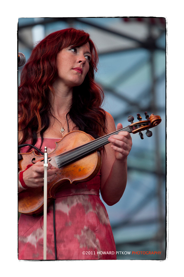 Amanda Shires performing with Justin Townes Earle in Philadelphia, PA