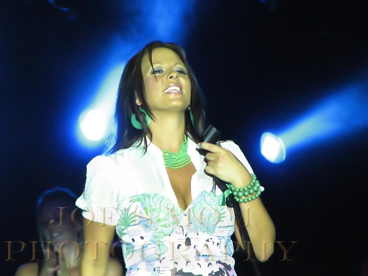 Sara Evans Live