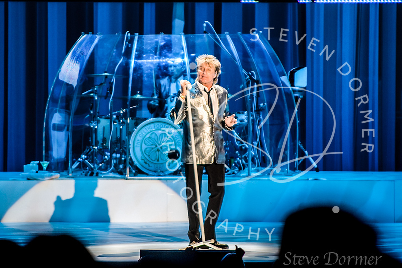 ENTERTAINMENT ROD STEWART CONCERT