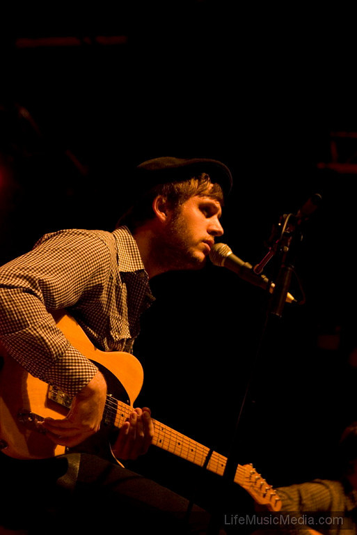 "Angus & Julia Stone, Boy & Bear, Lavelle Collins @ The Palace, Melbourne 25 March 2010  Photographer: Anna Kanci  <a href=""http://lifemusicmedia.com"" target=""_wina"">LifeMusicMedia.com</a>"