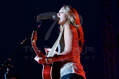 Colbie Caillat 2010-08-28 Austin, TX