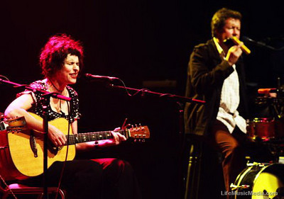 Deborah Conway and Willy Zygier  Photographer: Charlyn Cameron  Life Music Media