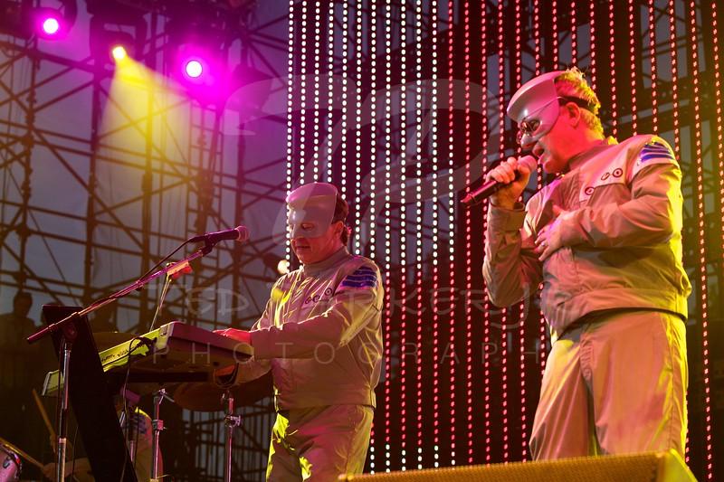 Devo<br /> 2010-06-05<br /> Irvine, CA