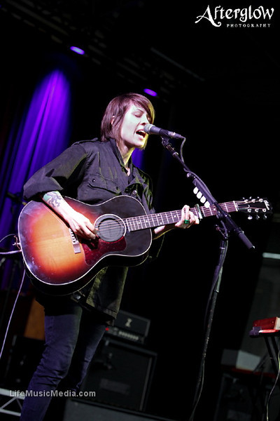 """Tegan and Sara @ Sidney Myer Bowl, Melbourne - 8 December 2010   Photographer: <a href=""""http://www.afterglowphotography.com.au/"""" target=""""_wina"""">Amy Skinder</a>  <a href=""""http://lifemusicmedia.com"""" target=""""_wina"""">LIFE MUSIC MEDIA</a>"""
