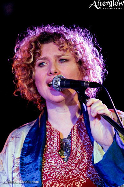 """Suzannah Espie @ East Brunswick Club, Melbourne  Photographer: <a href=""""http://www.afterglowphotography.com.au"""" target=""""_wina"""">Amy Skinder</a>  <a href=""""http://lifemusicmedia.com"""" target=""""_wina"""">LIFE MUSIC MEDIA</a>"""
