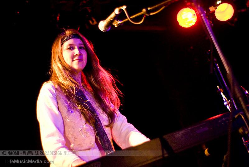 "STONEFIELD @ The Prince Bandroom, Melbourne   Photographer: <a href=""http://www.auroradesign.nu"" target=""_wina"">Naomi Rahim</a>  <a href=""http://lifemusicmedia.com"" target=""_wina"">LIFE MUSIC MEDIA</a>"