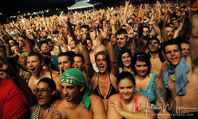 Fans watch 311 perform at the 311 PowWow Festival in Live Oak, FL on Friday, August 5th.