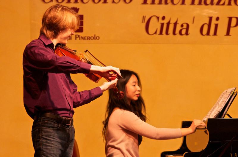 Les Fleurs Duo (Benjamin Beck, viola,  Han - Wen Yu, piano / pianoforte)