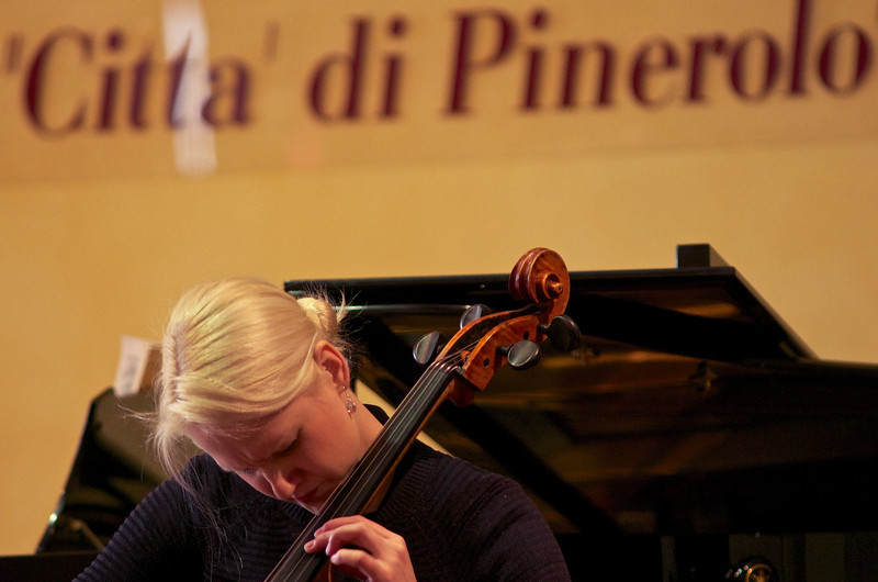 Leijala - Jamsa Duo (Liina Leijala, cello / violoncello - Pauli Jamsa, piano / pianoforte)