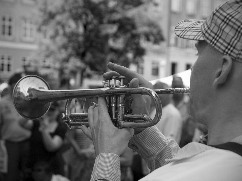 Balancing.<br /> Street Parade with Orion Brass band.