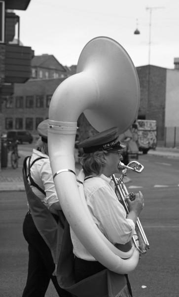 Breathtaking.<br /> New Orleans Paraders i Sigurdsgade.