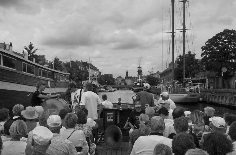 Silent Vista.<br /> Harbour parade with the Orion Brass Band.<br /> Entering the canal taking us into the central Copenhagen.