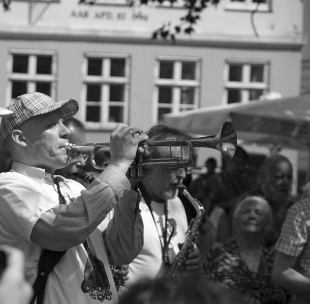 Blow Johnny, blow.<br /> Street Parade with Orion Brass Band.