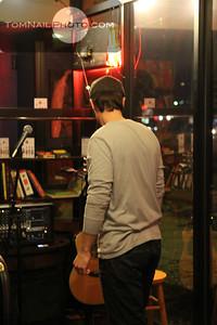 open mic songwriter dubstep 221