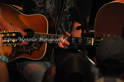 Eric Church at the Rutledge in Nashville, Gibson Hummingbird Guitar.
