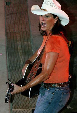 Terri Clark, July 2005