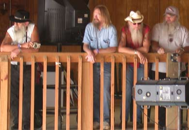 ZZ Top watches the Oaks2004
