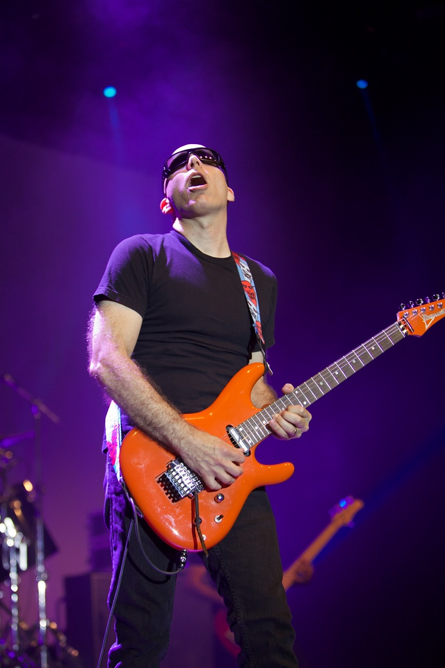 Joe Satriani in Nice for Crazy Week 2014