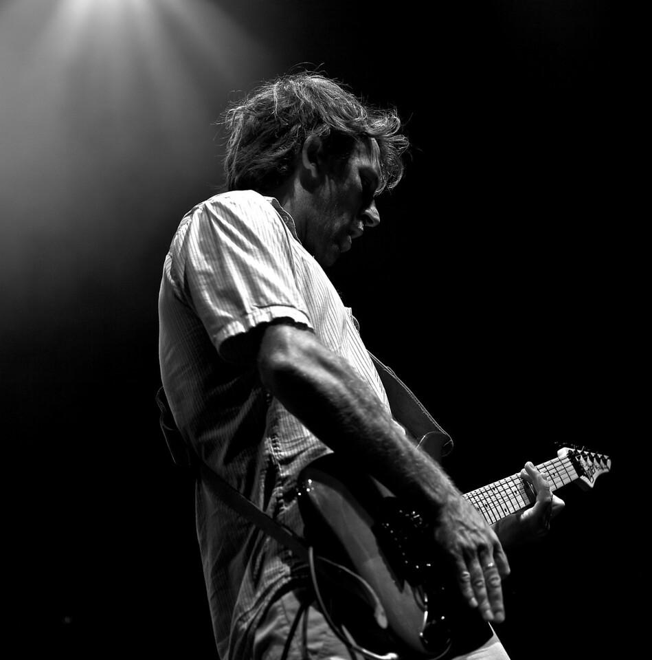 Tom Frager en concert à Nice au Théâtre de Verdure pendant la Crazy Week